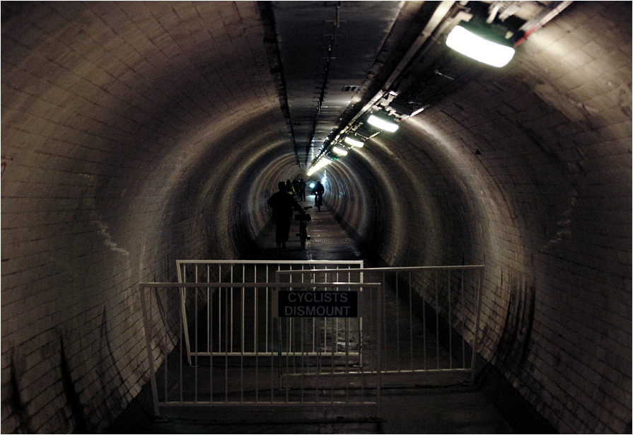 Pieszy tunel pod Tamizą w Greenwich