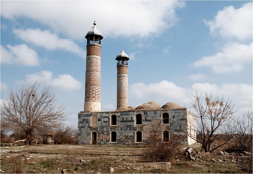 Dawny meczet, dziś obora
