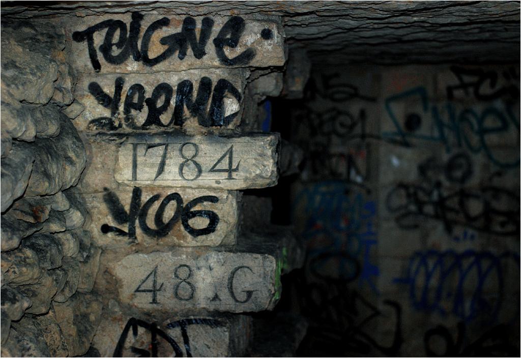 W katakumbach Paryża mieszają się pozostałości różnych epok