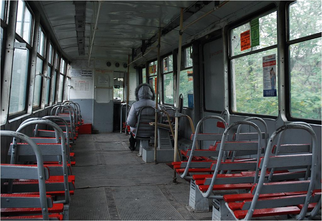 Wnętrze mariupolskiego tramwaju fabrycznego
