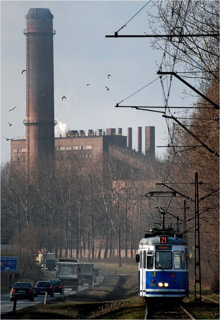 Kraków, ulica Igołomska. Industrialne klimaty koło pętli na Pleszowie.