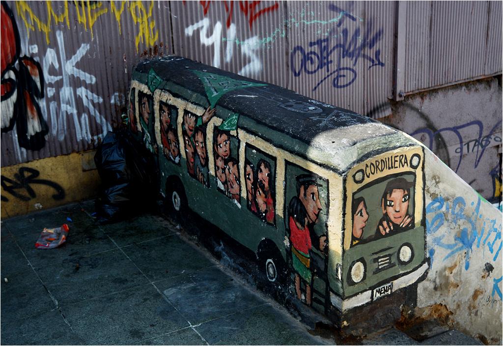 Pomysłowe graffiti przy górnej stacji kolejki Cordillera (o kolejkach w Valparaíso - następnym razem!)