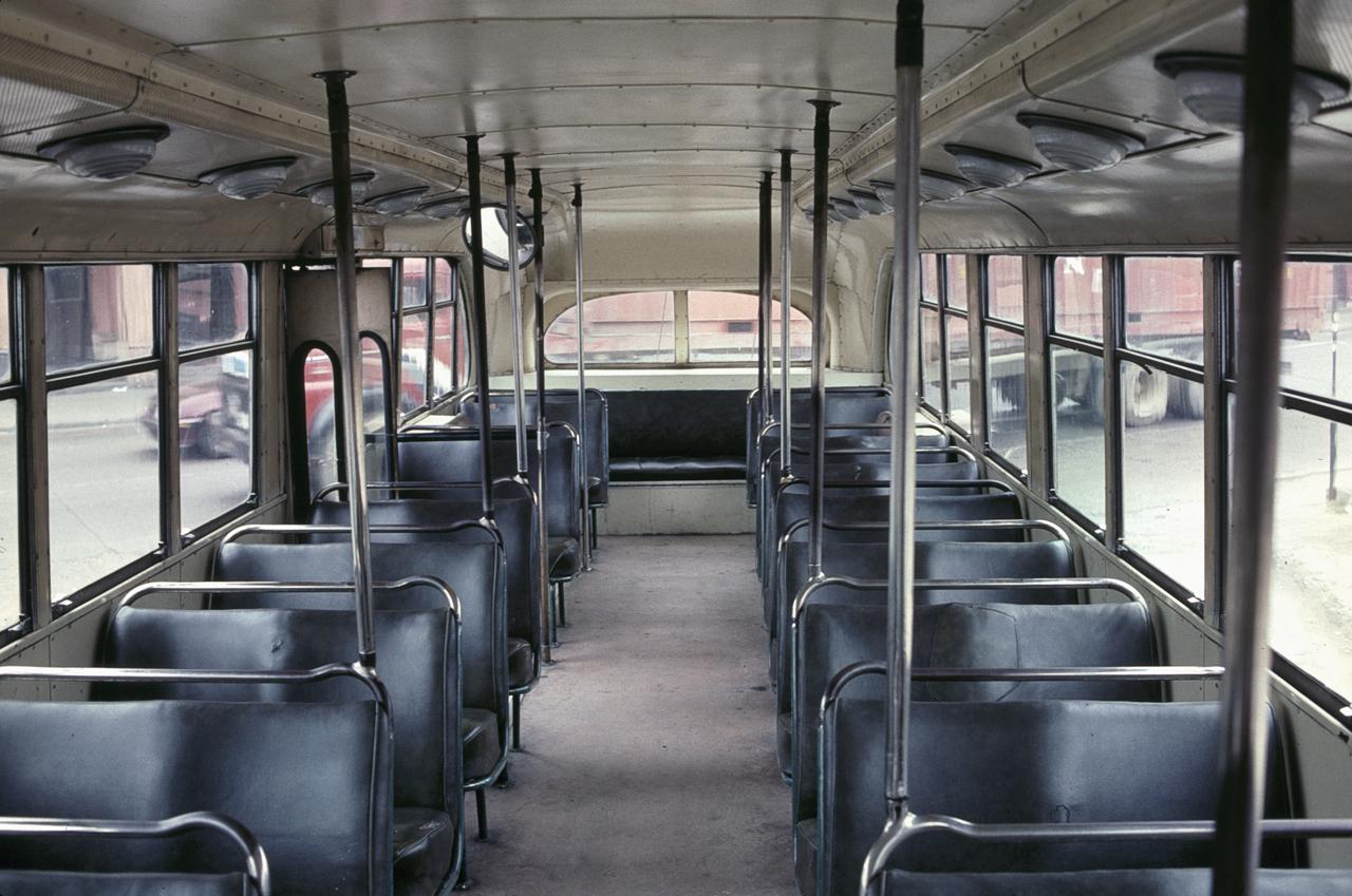 Wnętrze najstarszych Pullmanów do dziś nie uległo zmianie. Fot: Steve Morgan, Wikimedia Commons, 1996.