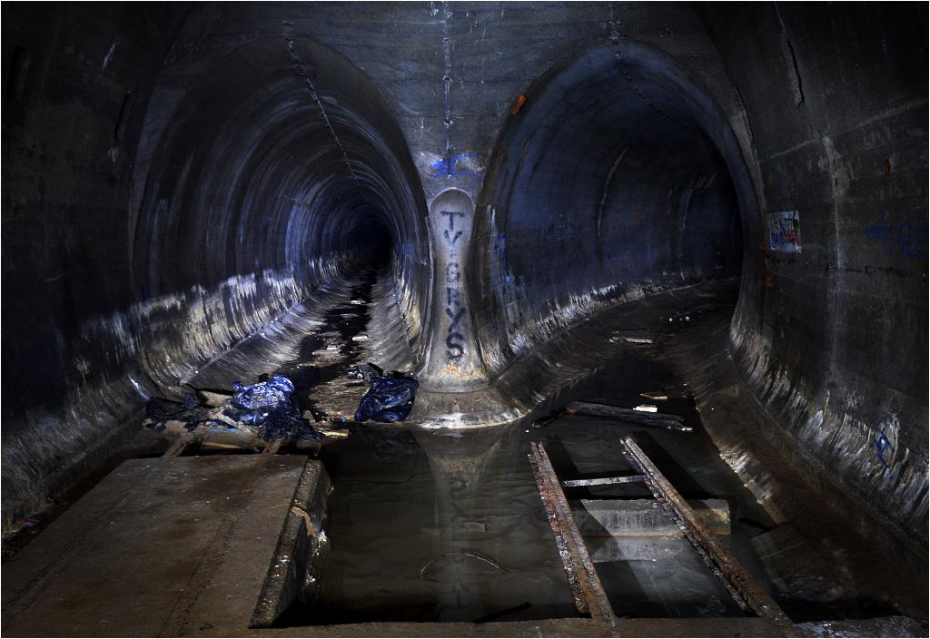 Widok z dworca Nordpol w stronę do niedawna całkowicie zalanych tuneli
