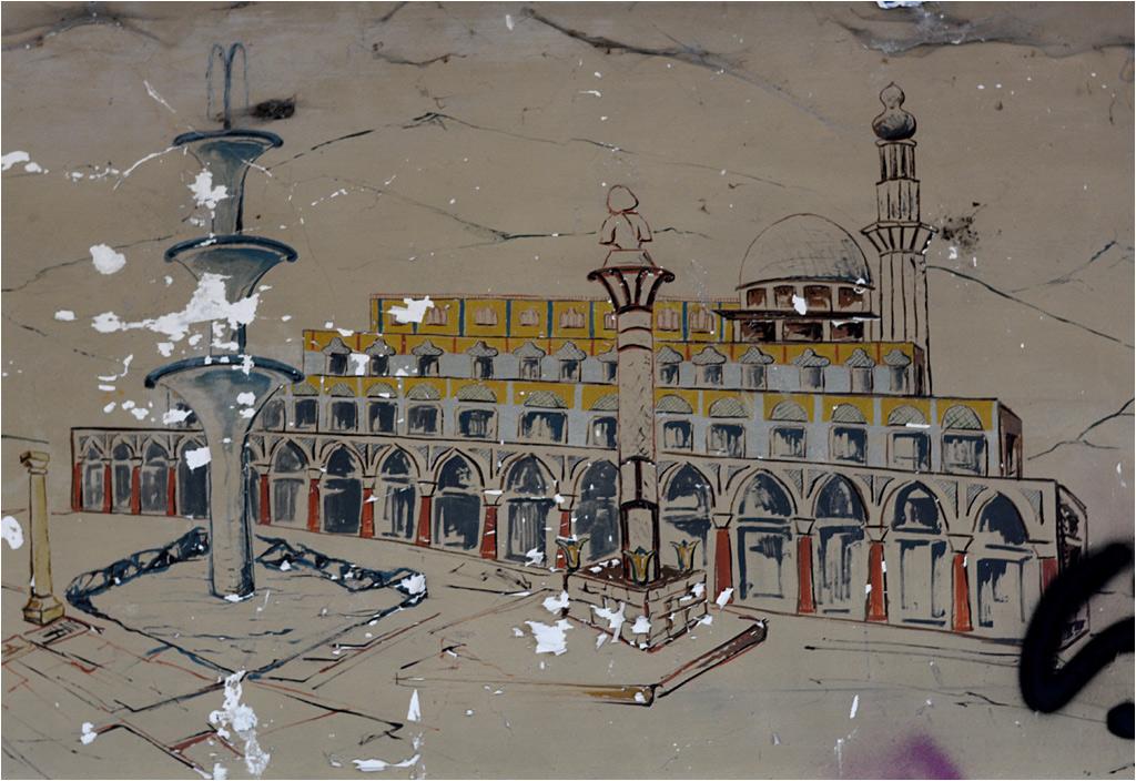 W jednym z opuszczonych budynków straszy rysunek przedstawiający Consonno za czasów świetności