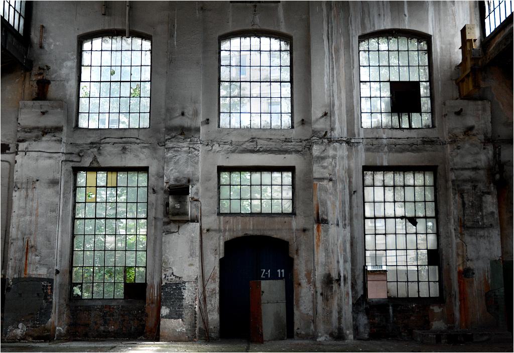 Zaraz za oknami hali oddziału Z1 wznoszą się nowoczesne bloki przy ulicy Roboczej