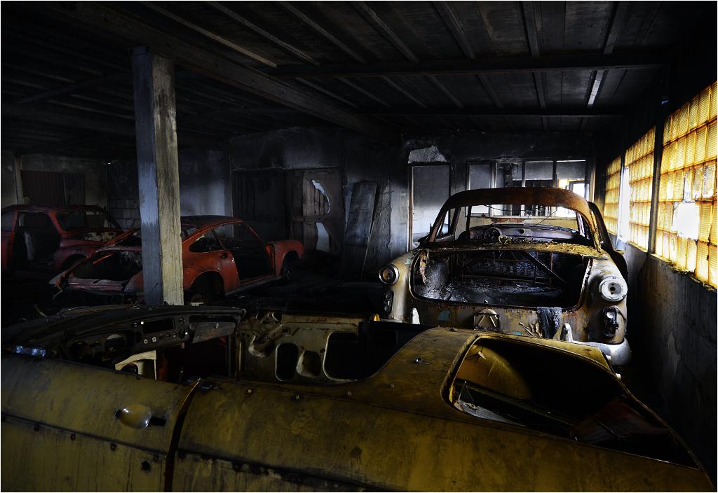 Widoczne po lewej Porsche 911 ponoć należało kiedyś do Maryli Rodowicz