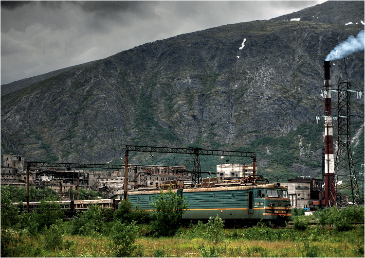 15.07.2008, Kirowsk. Marzenie spełnione. Pierwszy raz w życiu odwiedziłem prawdziwe sowieckie przemysłowe miasto, położone na dalekiej północy.