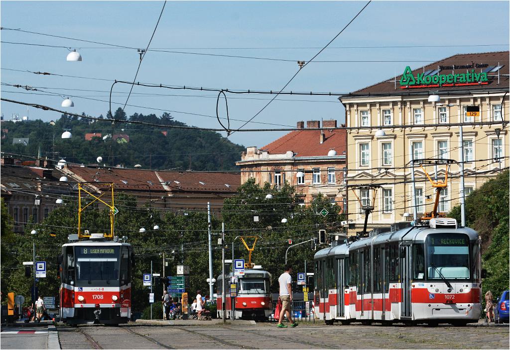 To nie pętla, lecz wielotorowa magistrala tramwajowa w centrum miasta