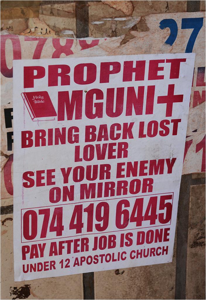 Reklamy proroków i szamanów znajdują się na każdej ulicy