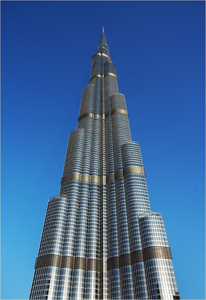 Burj Khalifa - najwyższy budynek świata (828 metrów wysokości)