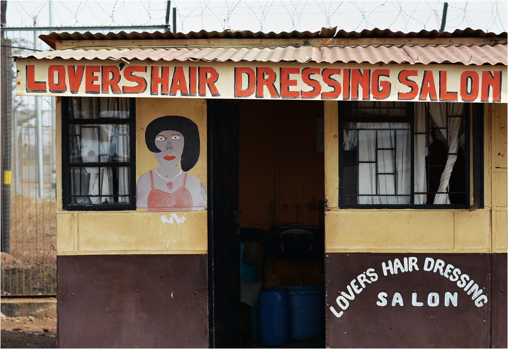 Budka fryzjerska przy granicy Suazi z RPA