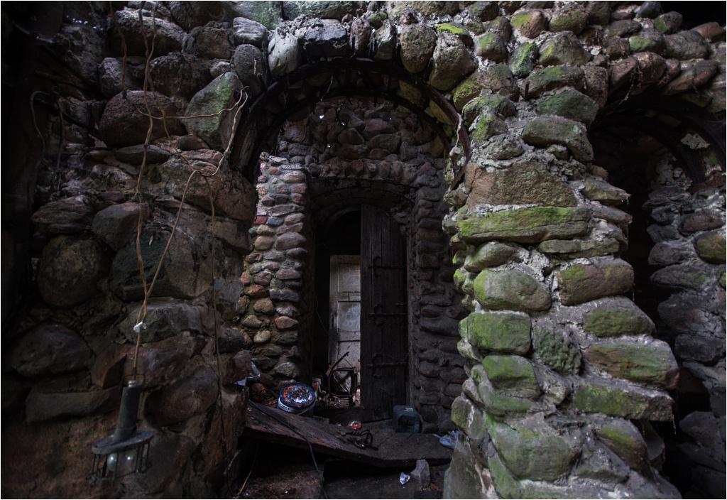 Opuszczony dom artysty nie bez powodu nazywany był twierdzą