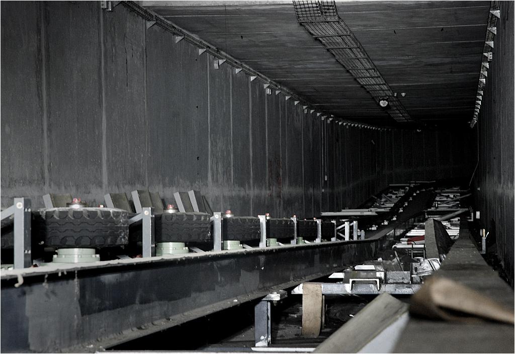 Pod ziemią w Noisy-le-Grand biegnie długi i ciemny tunel nieczynnej kolejki