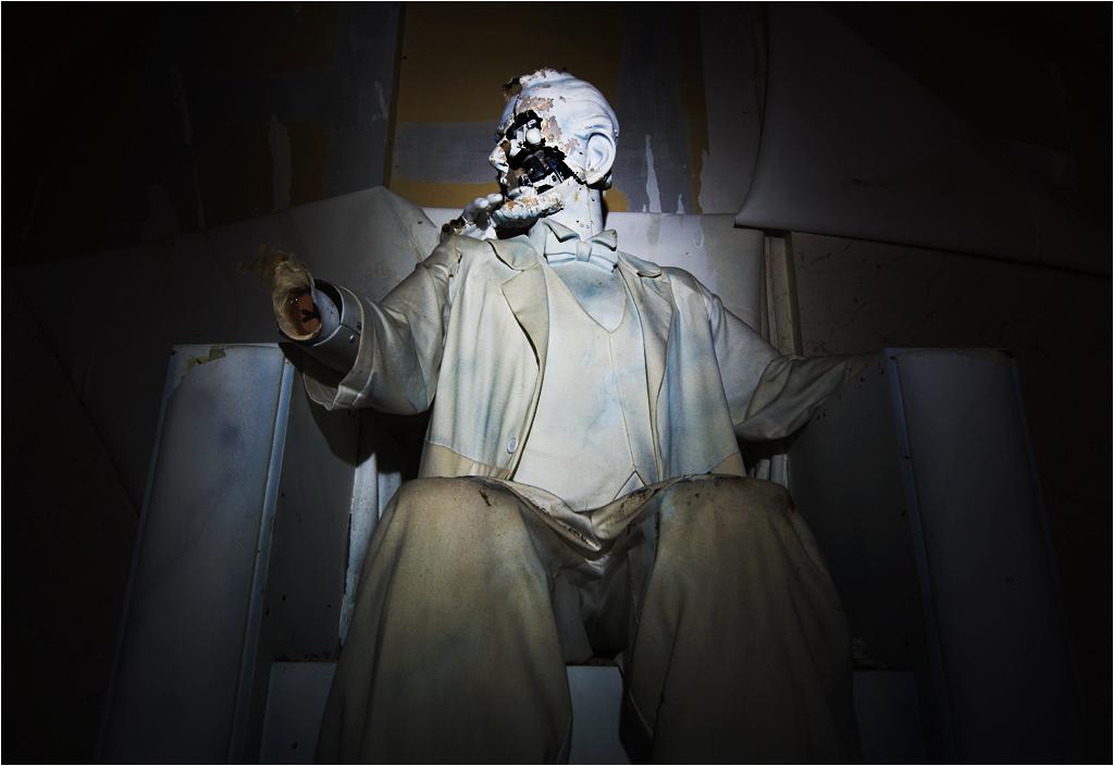 Jest też Abraham Lincoln w wersji robotycznej. Robolincoln. Bez twarzy