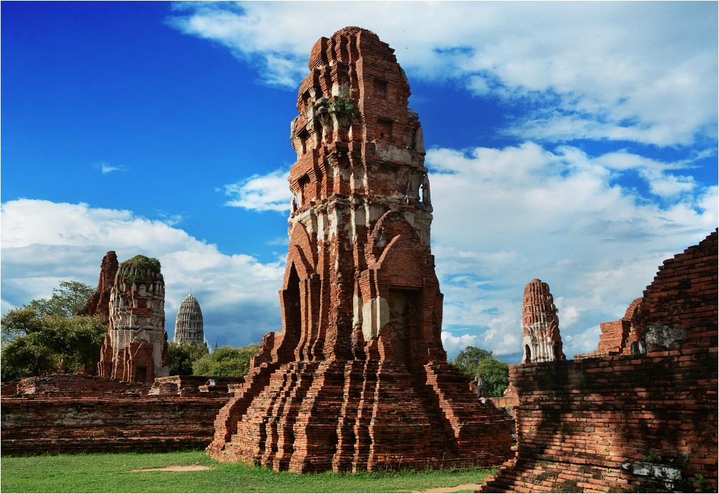 Ayutthaya - kamienna wieża świątynna