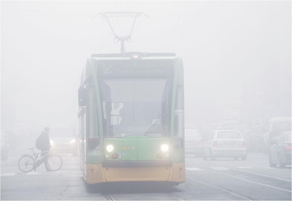 Siemens Combino na ulicach zamglonego Poznania