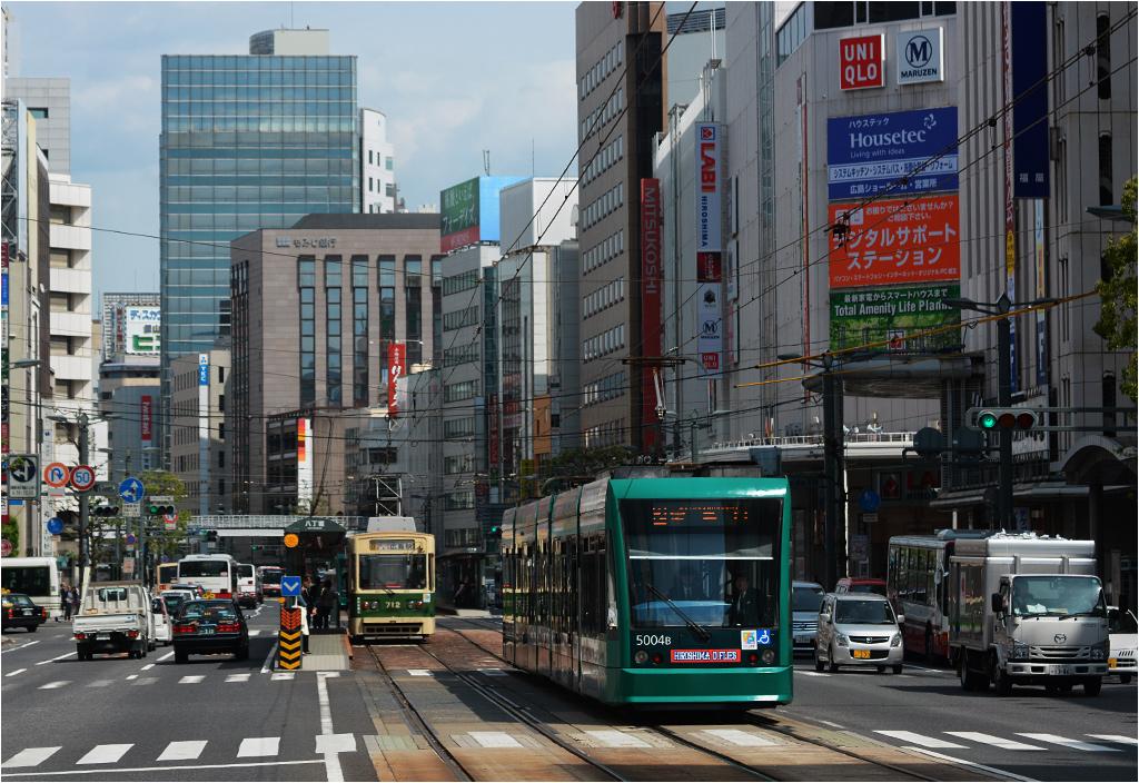 Siemens Combino na ulicach Hiroszimy