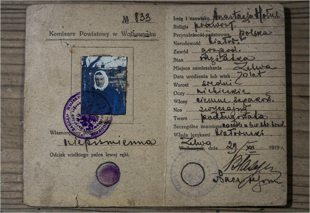 Siedemdziesięcioletnia Białorusinka Anastazja Hołub ze wsi Zelwa również była analfabetką