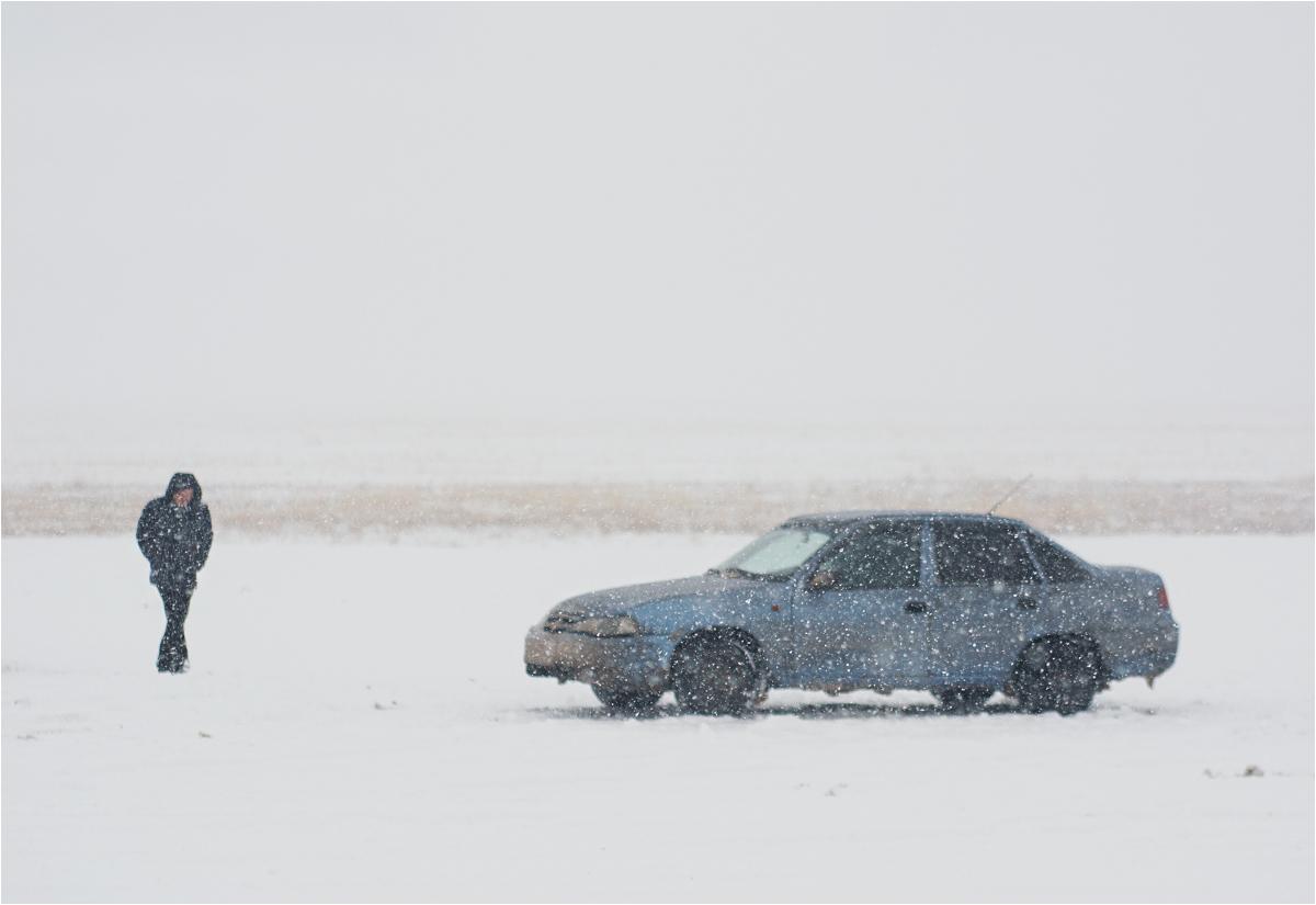 Przerwa na papierosa. Borys i jego samochód