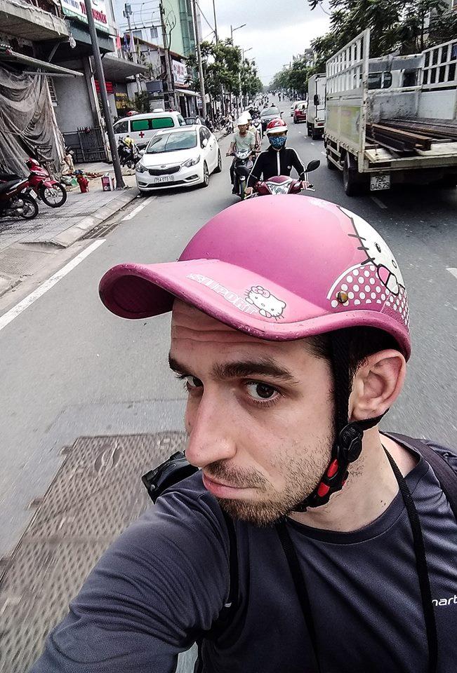 Po drodze z Hue do parku Ho Thuy Tien. Wszystko fajnie, tylko dlaczego zazwyczaj dostawałem kask z Hello Kitty?!
