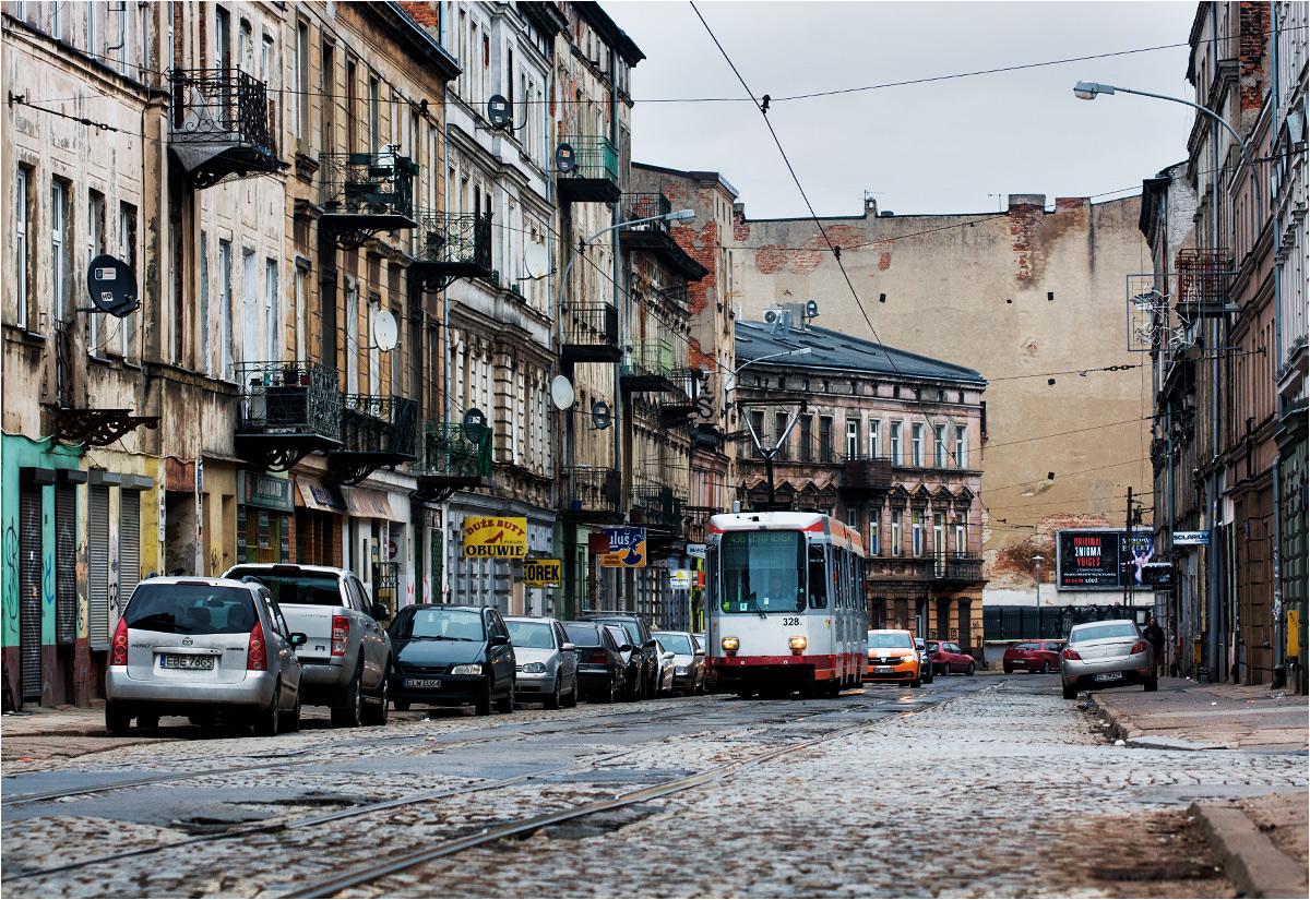 Również na miejskim odcinku jakość torowiska pozostawia wiele do życzenia. Na zdjęciu ulica Legionów w Łodzi