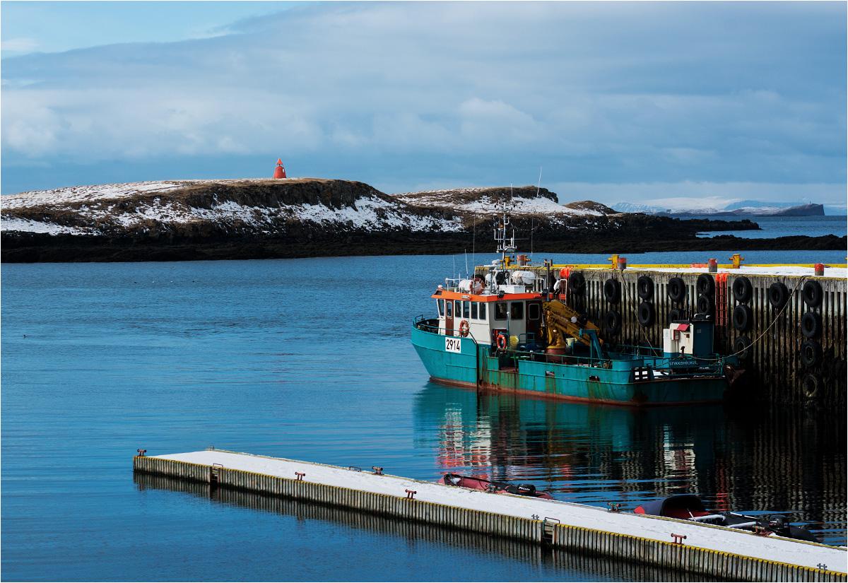 Cichy port spogląda na północ, w stronę Grenlandii