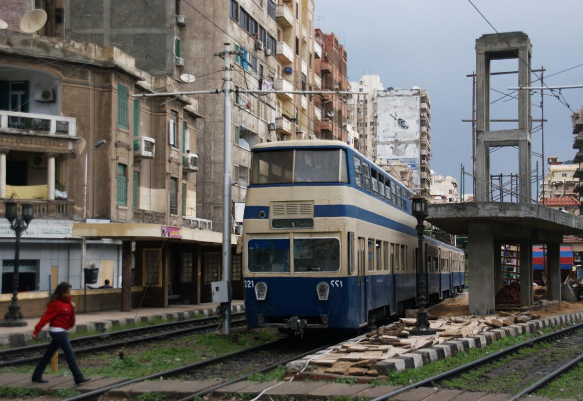 Piętrowe tramwaje na ulicach Aleksandrii