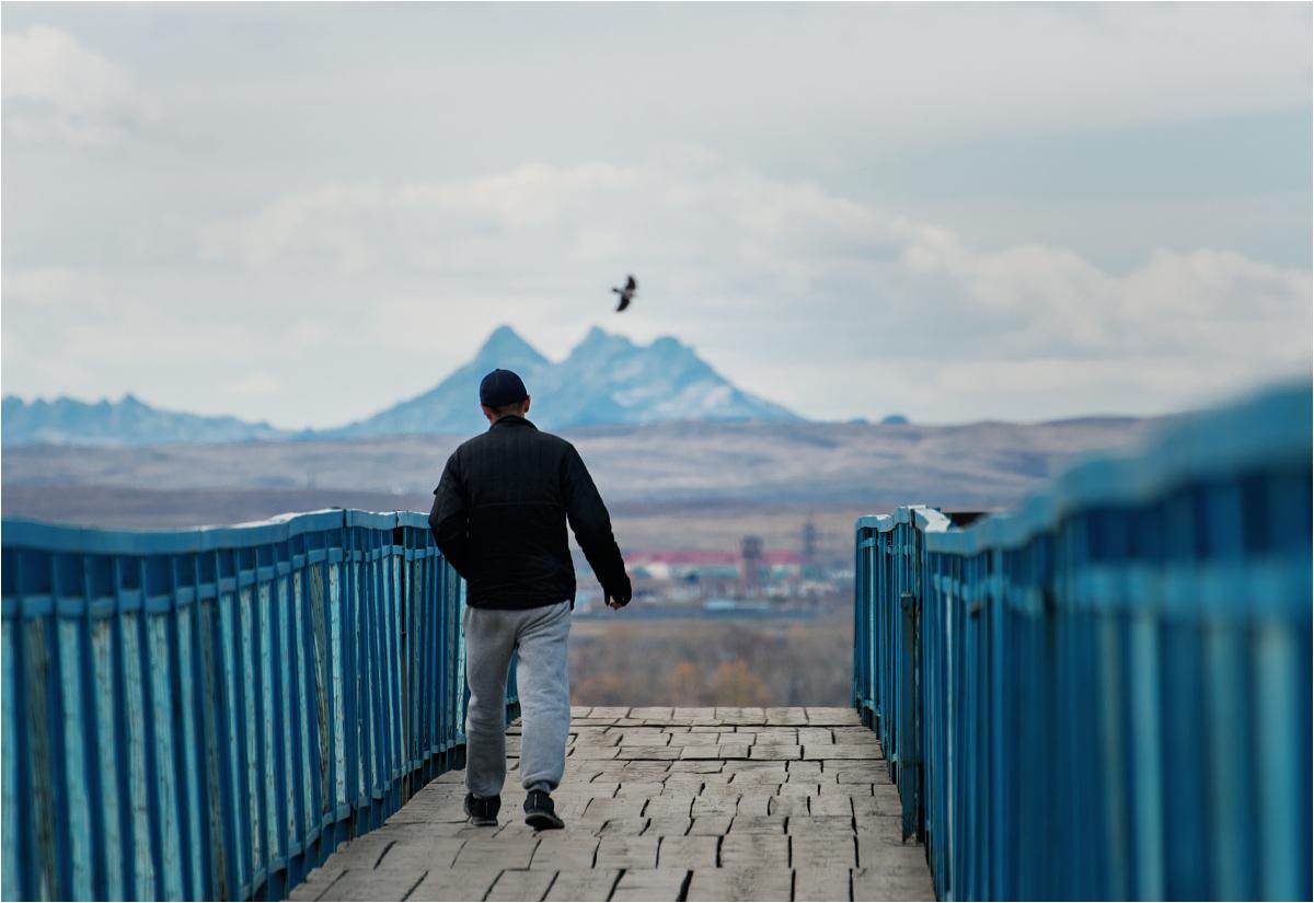 Krajobraz Ust-Kamienogorska, widok z kładki nad dworcem kolejowym Oskemen-1