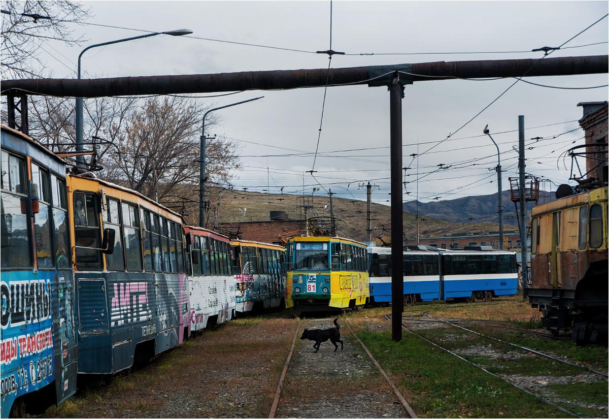 Tramwaje odstawione w ust-kamienogorskiej zajezdni tramwajowej