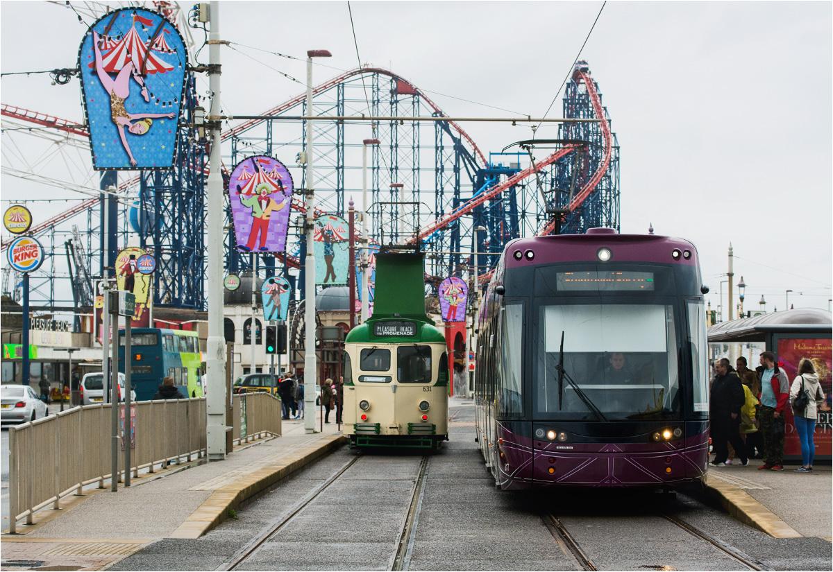 Dwa pokolenia tramwajów - współczesne i historyczne