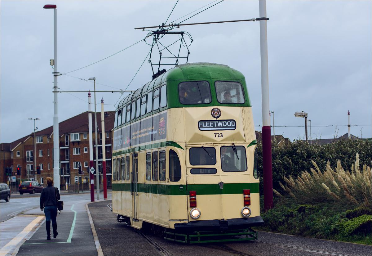 Koniec trasy! Piętrowy tramwaj numer 723 przyjechał na południową pętlę Starr Gate