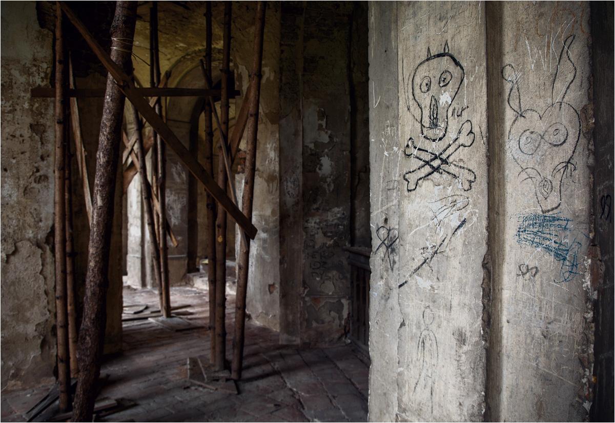 Malowidła naskalne są pamiątką po okresie, w którym każdy mógł wejść do świątyni