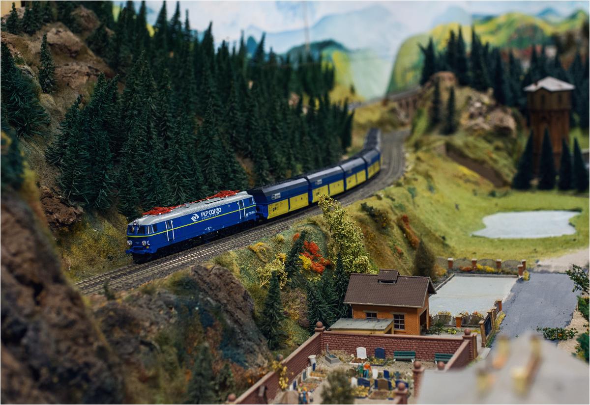 Podstawę stanowią co prawda pociągi...