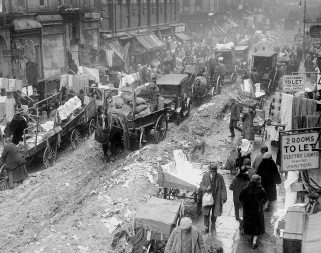 Na przełomie epok - konie i samochody w Nowym Jorku