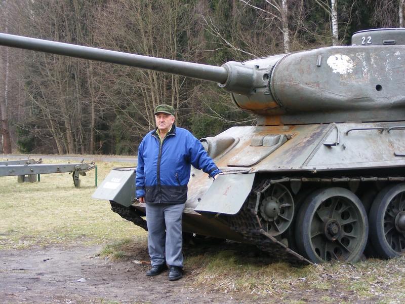 Andrzej Michalak, samozwańczy kustosz historii Bornego Sulinowa. Fot. archiwum prywatne: http://www.bornesulinowo.cba.pl/