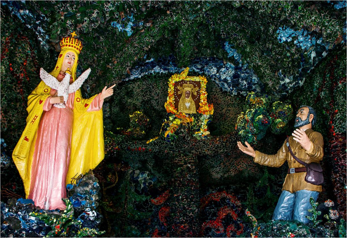 Scena objawienia upamiętniona koło licheńskiej bazyliki