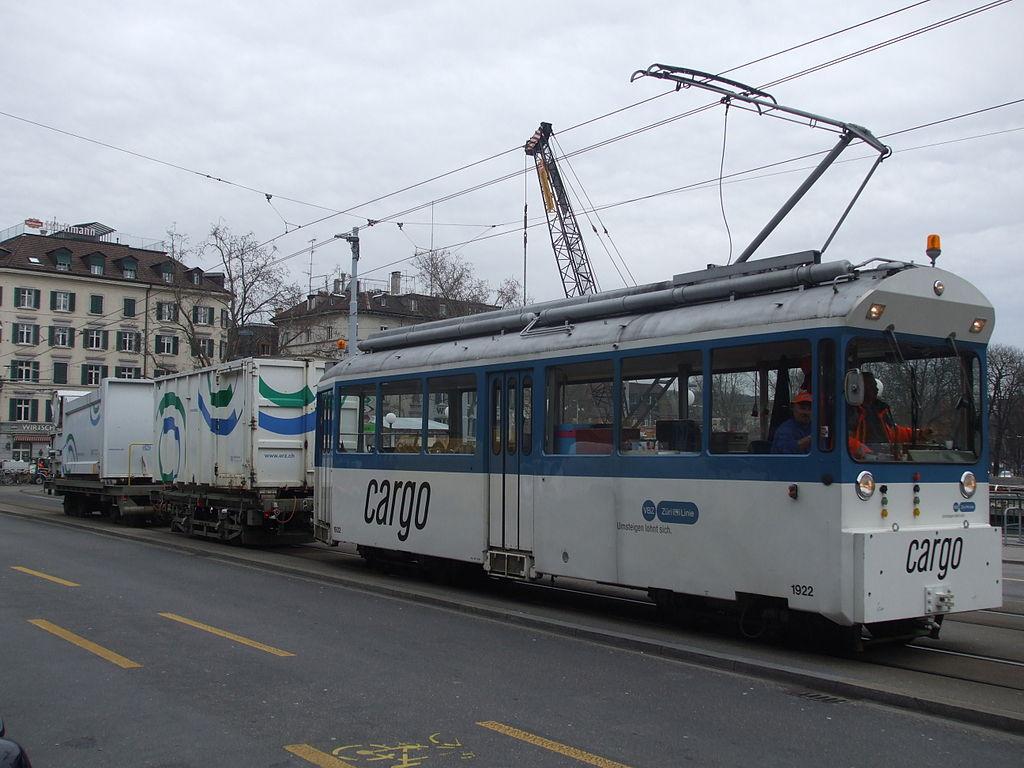 Śmieciowy tramwaj w Zurychu. Autor: Sunil060902, licencja GFDL