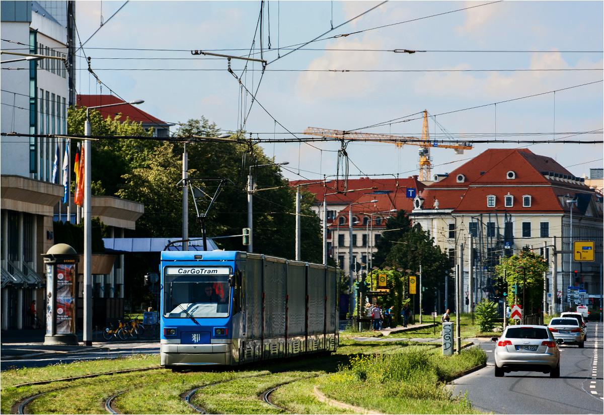 Po wschodniej stronie centrum - Grunauer Strasse...
