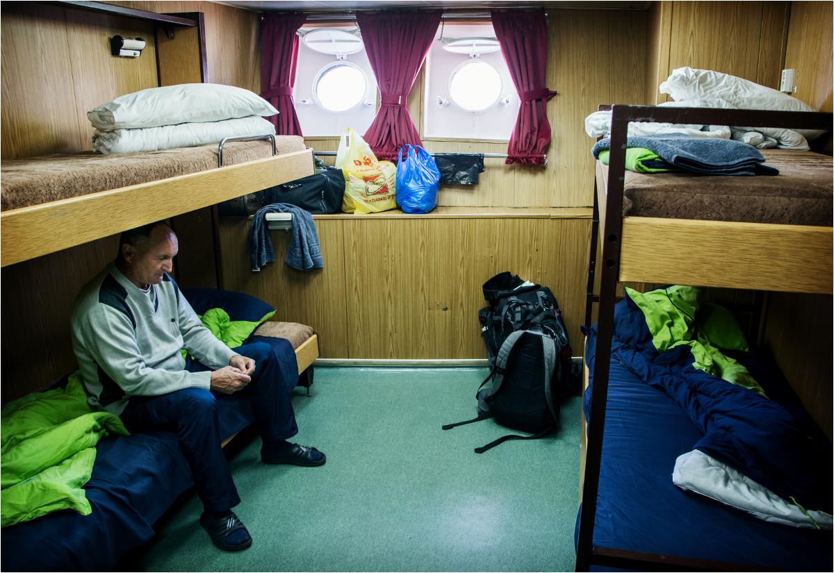 Kajuta numer 439. Na dolnym łóżku pan Aleksandr z Kisłowodzka (o nim później)