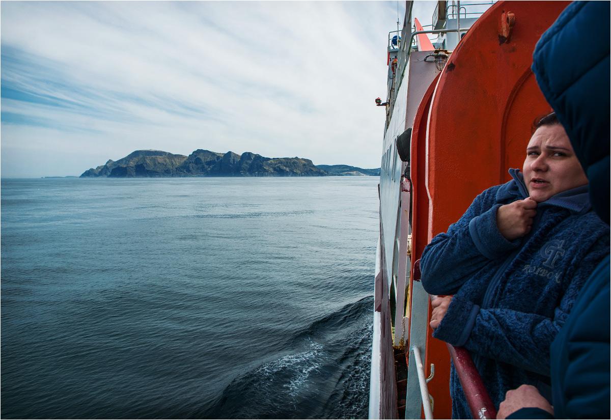 Pierwszy widok wyspy Szykotan. Zimno, prawda?