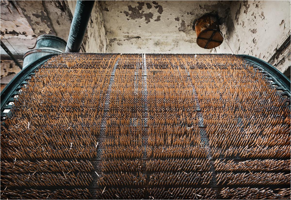 Pozostawione tutaj maszyny stanowią unikatową linię produkcyjną