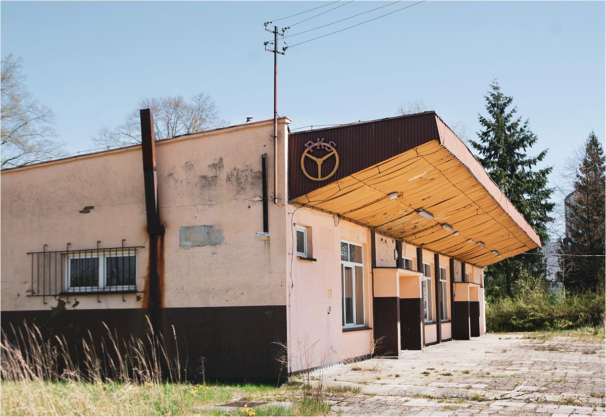 Zamknięty na głucho dworzec PKS we Włoszczowie