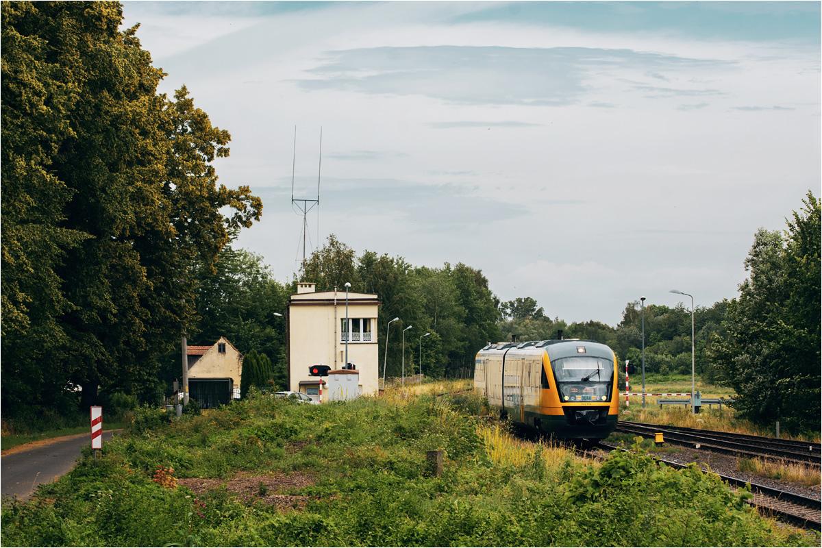 Niemiecki pociąg w Polsce. Kursujące tu składy to jednostki Siemens Desiro (seria 642) w barwach przewoźnika Ostdeutsche Eisenbahn (ODEG)