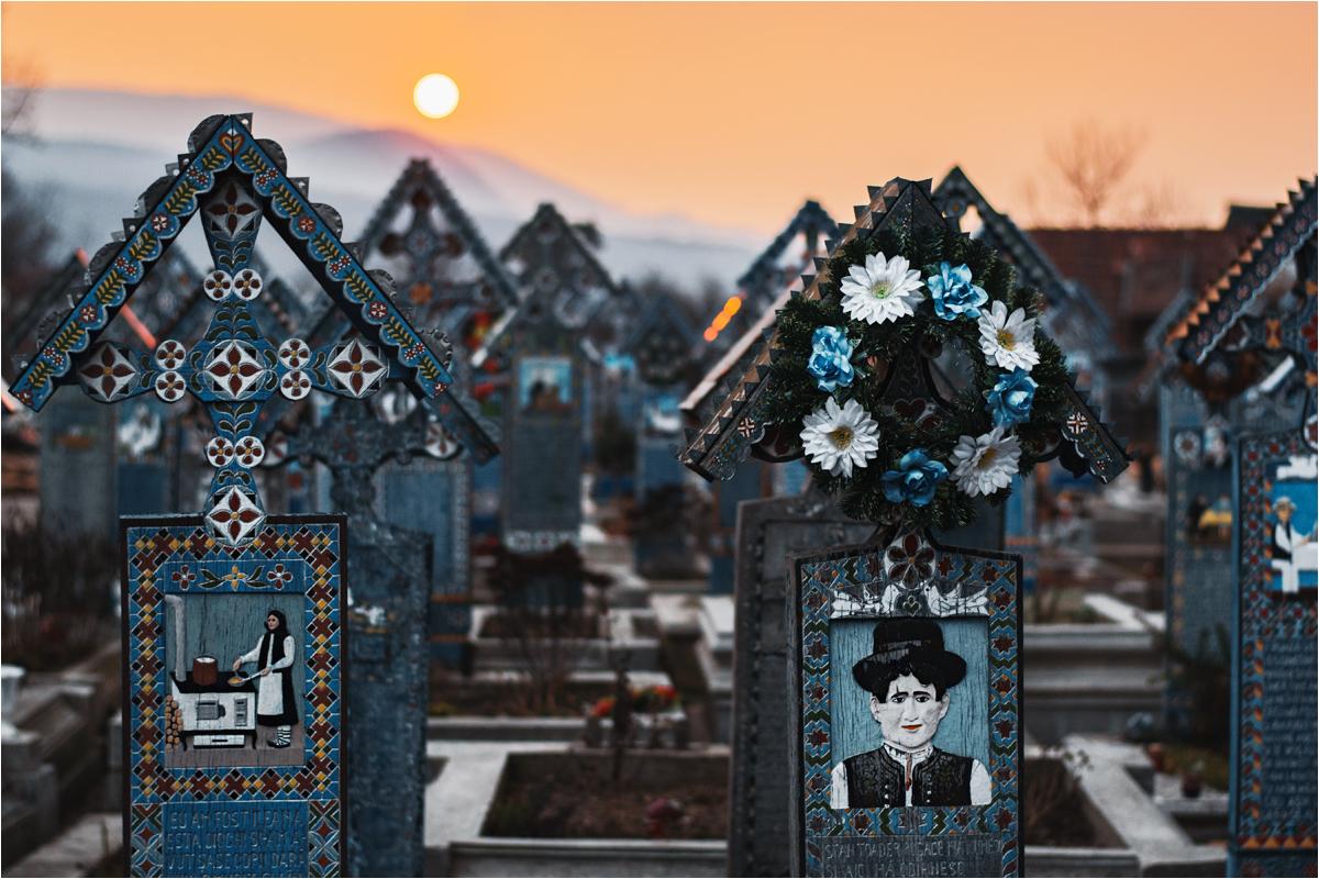 Popularny przykład rumuńskiej poezji to... rymowane wierszyki na nagrobkach kolorowego cmentarza w Sapancie