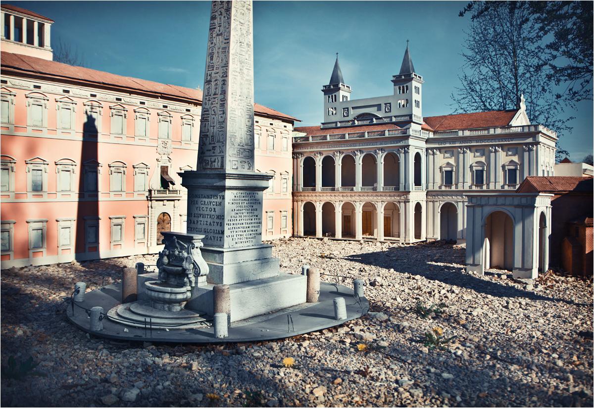 Park miniatur sakralnych umożliwiał przyspieszoną podróż po religijnych atrakcjach całego świata. Ale wszystkie świątynie były katolickie...